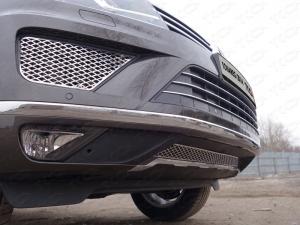 Volkswagen Touareg 2014 Решетки радиатора боковые (лист)